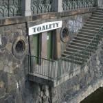 Honění na WC - Praha